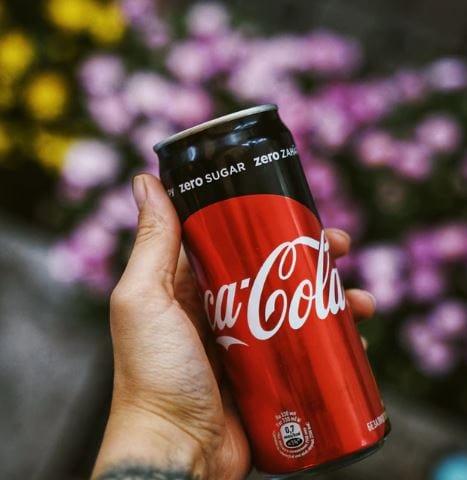 can of zero sugar coca cola