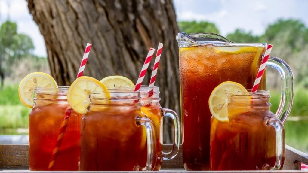 Is Drinking Iced Tea Better Than Soda