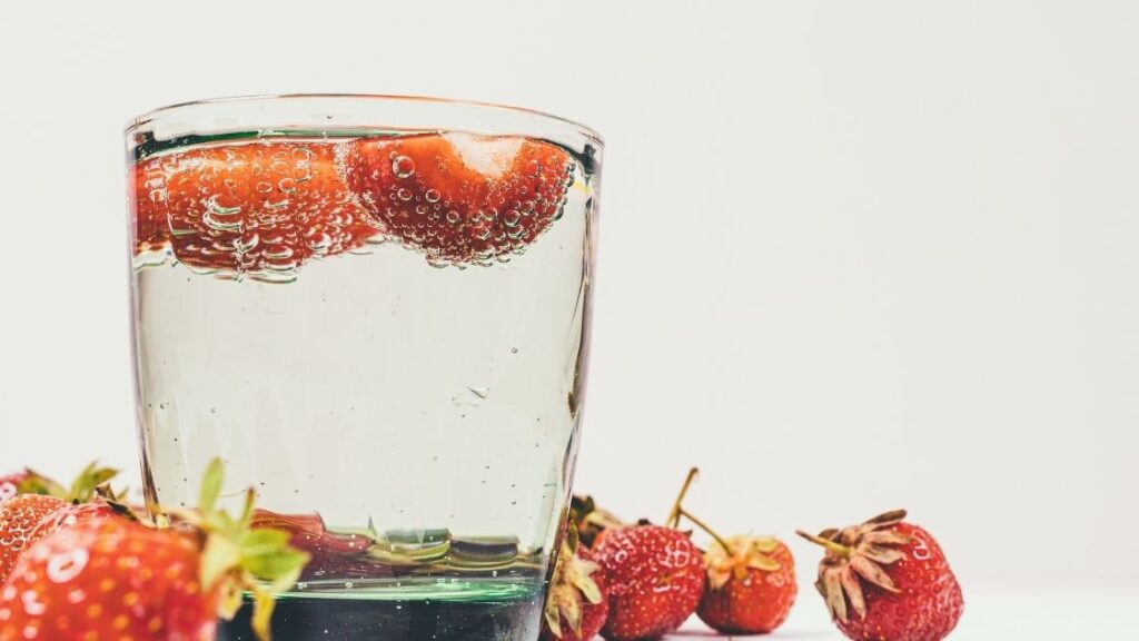 Which is healthier soda water or sparkling water