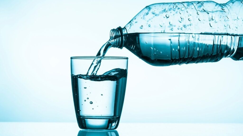 Difference Between Mineral Water and Sparkling Water