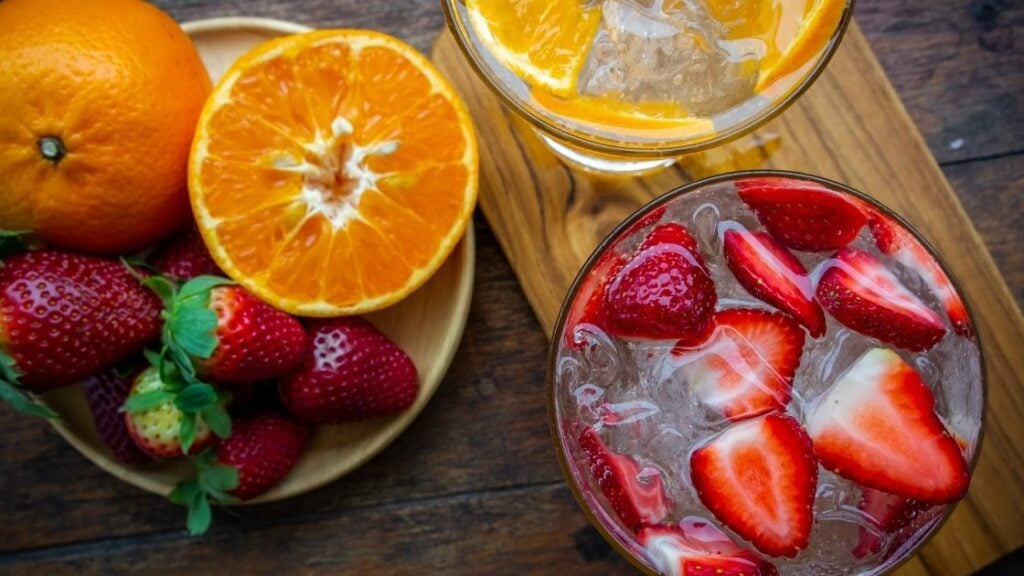 How Long Can You Leave Fruit in Water